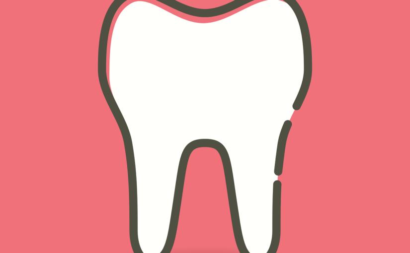Przepiękne zdrowe zęby także efektowny przepiękny uśmiech to powód do zadowolenia.