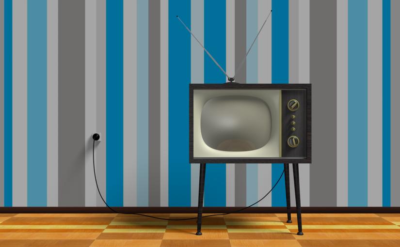 Wspólny wypoczynek przed tv, lub niedzielne serialowe popołudnie, umila nam czas wolny oraz pozwala się zrelaksować.